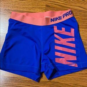 Women's Nike pro